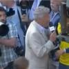 Roland Garros 2013 : Tsonga tente d'échapper à une interview, regardez
