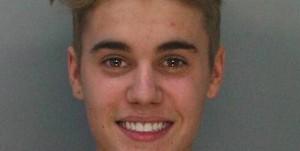 Justin Bieber se fait arrêter par la police
