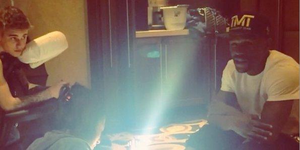 Justin Bieber se fait masser