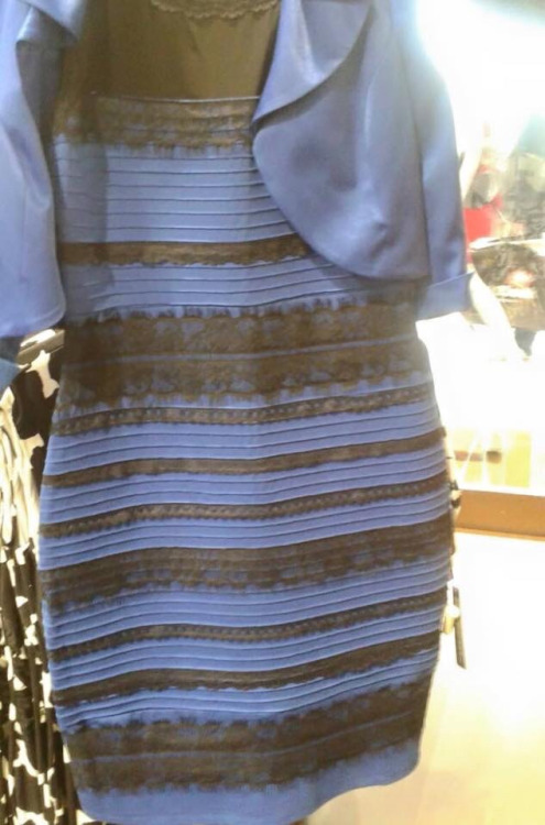 Photo de la robe qui buzz postée par Swiked sur Tumblr