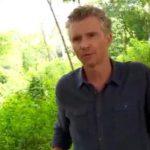Pour Koh Lanta 2016, Denis Brogniart mange un scorpion